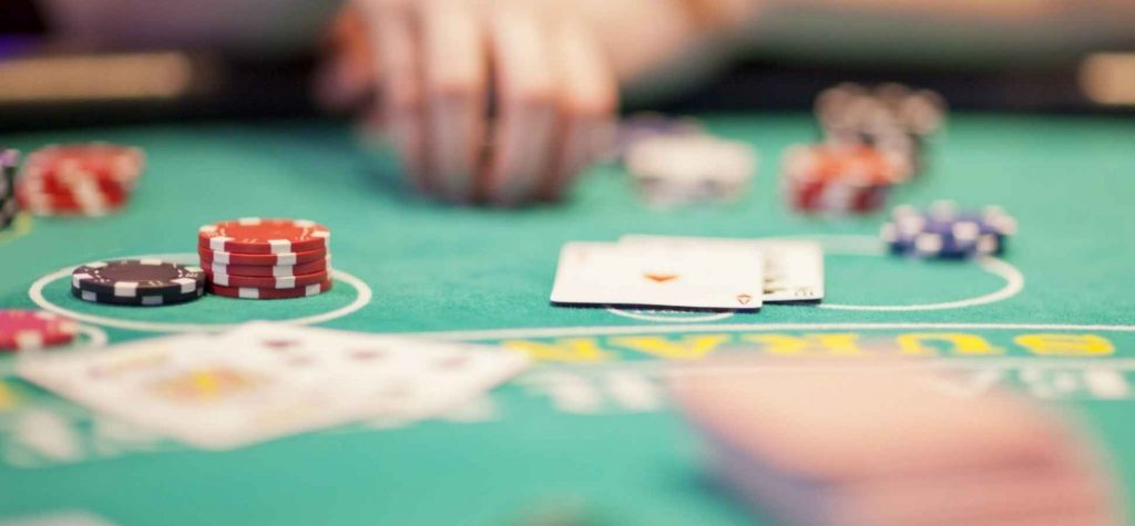 Play poker online money